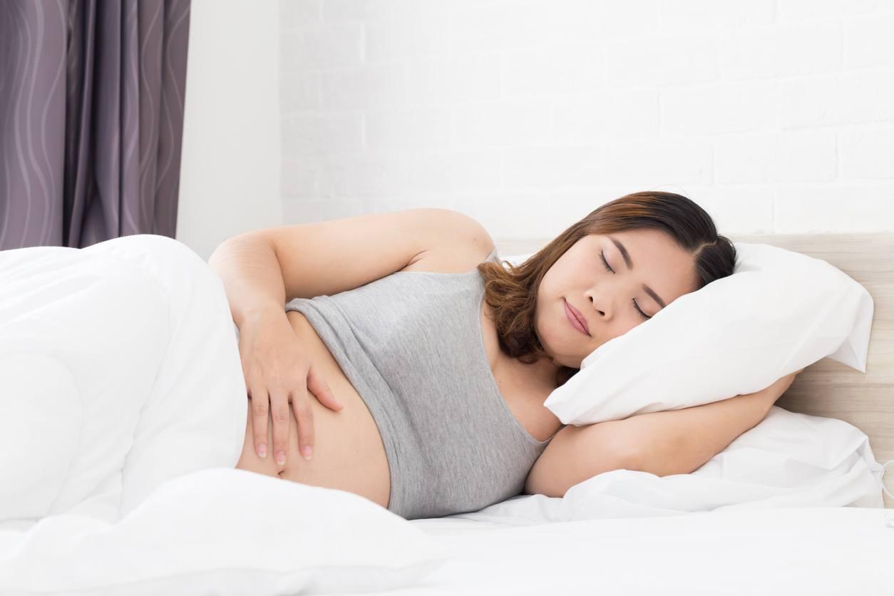 Seputar Posisi Tidur Semasa Kehamilan